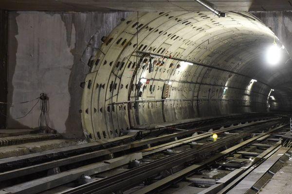 Les travaux ont consisté à élargir les quais de certaines stations