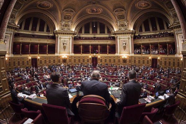 Lors d'une séance du sénat ua Palais du Luxembourg.