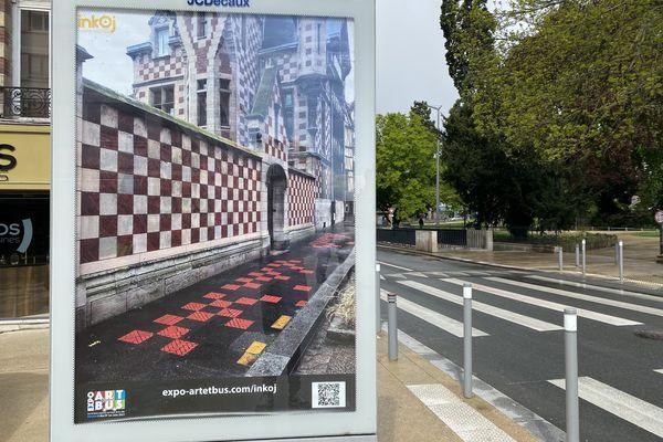 Dans la métropole de Rouen, les œuvres de 20 artistes ont pris place dans des panneaux publicitaires.