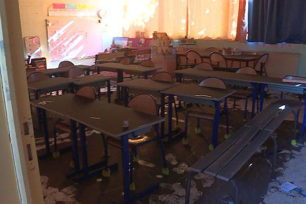 Nîmes - l'école Paul Langevin vandalisée et incendiée - 29 septembre 2021.