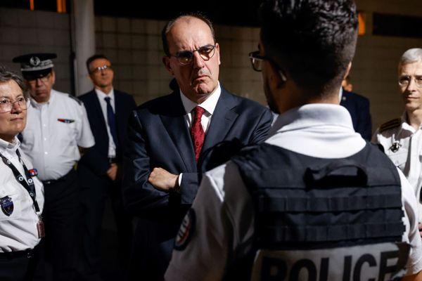 Jean Castex, le nouveau Premier ministre, face aux policiers de La Courneuve.