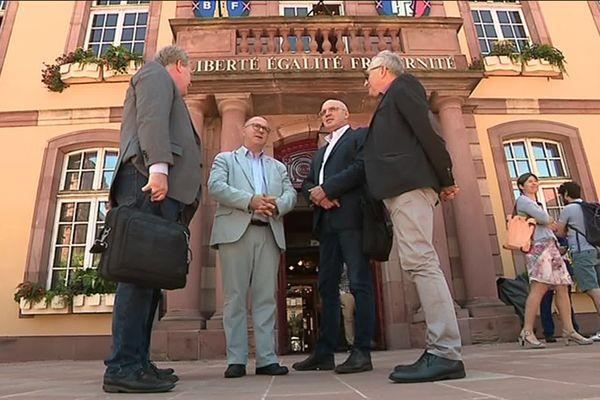 Des élus locaux ont également retrouvé l'intersyndicale de General Electric Belfort.