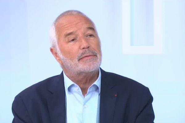 Le maire de Dijon sur le plateau de Dimanche en politique Bourgogne, le 16 septembre 2018.