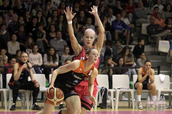 Les joueuses du Toulouse métropole basket recevaient en avril 2016 les Tango de Bourges.