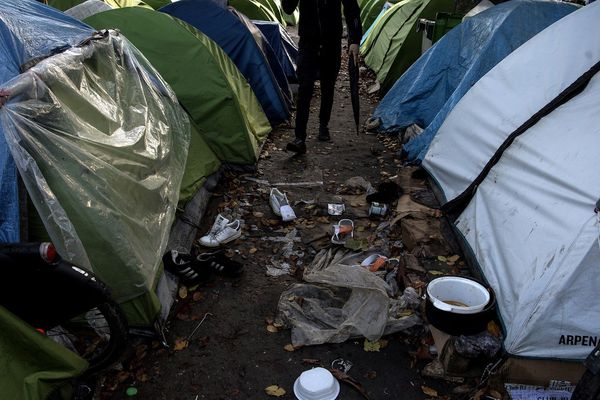 Le campement de la porte d'Aubervilliers évacué en janvier dernier. Plusieurs centaines de migrants s'étaient réinstallés au bord du canal de Saint-Denis à quelques kilomètres sur la commune d'Aubervilliers.