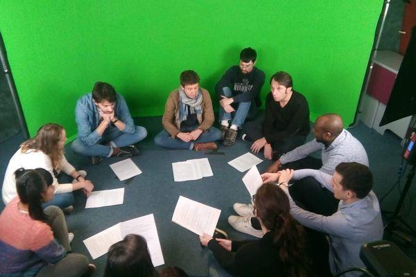 Les étudiants ont bénéficié de l'intervention de Nicolas Vallée, un comédien. Interprétations et jeux de rôle ont permis aux étudiants de repousser leurs limites !