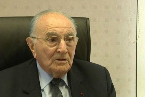Jean Savoie, maire UMP de Pouzay en Indre-et-Loire