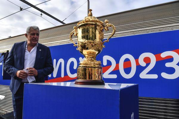 """Claude Atcher, le directeur de France-2023 la société organisatrice de la Coupe du monde de rugby, lors de l'inauguration du """"We love 2023 tour"""" à Paris."""