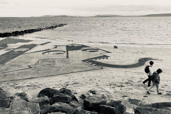 Oeuvre de Art de plage Saint-Malo en Irlande