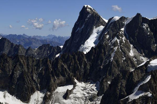 La voie qui mène au refuge Boccalatte-Piolti (Italie) est fermée à cause du risque d'effondrement.