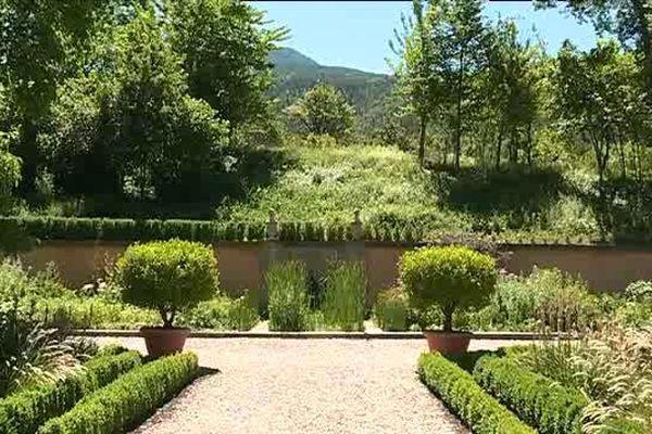 Les jardins du chateau de Picomtal à Crots dans les Hautes Alpes.