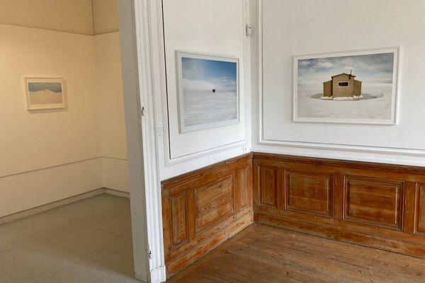 L'exposition de Lucie Jean et Marina Cox à la Maison Bourbon ( association Cdanslaboite ) à Bordeaux, dans le cadre du festival Itinéraires des photographes voyageurs.