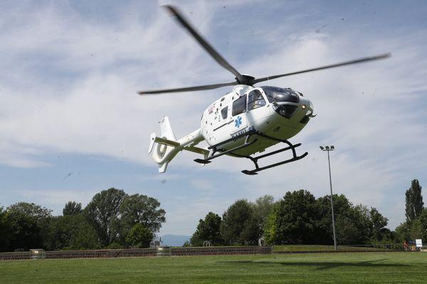 Un hélicoptère du SAMU a été mobilisé pour évacuer un blessé en état d'urgence absolue.