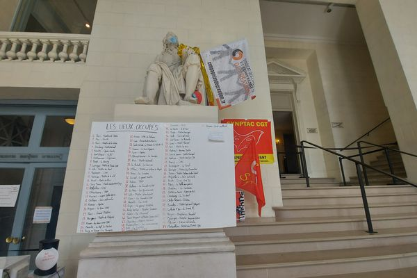 Liste des théâtre occupés au théâtre Graslin à Nantes