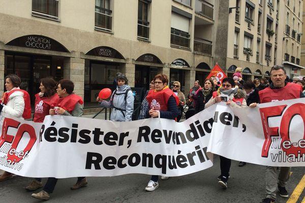 Les assistantes maternelles manifestent en Bretagne