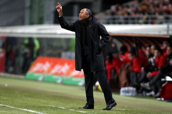 Kombouaré au stade Bollaert de Lens. C'était en 2010. Il était alors coach du PSG.