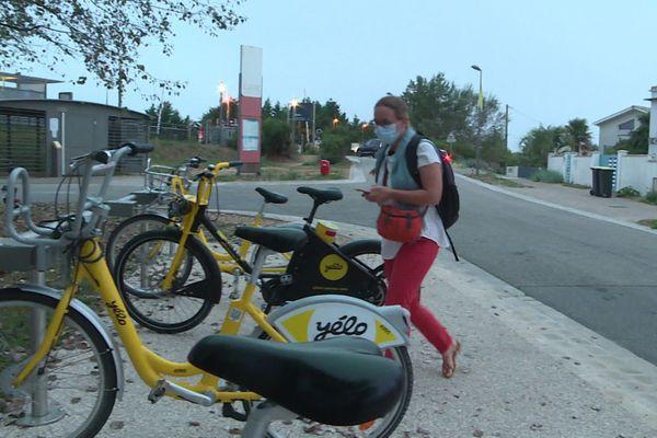 Train plus vélo ; la solution trouvée par Sandrine Didat pour aller au travail