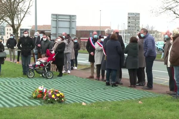 Cérémonie silencieuse cinq ans après l'accident de bus de Rochefort