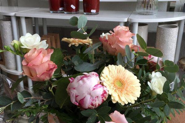 Les clients se sont pressés chez leurs fleuristes ce dimanche 30 mai avec l'objectif de faire plaisir.