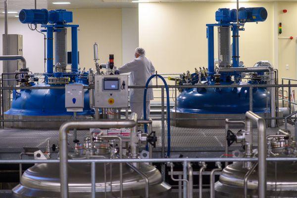Une usine pharmaceutique, comme celles qui produisent les vaccins contre le covid-19. Photo d'illustration