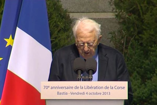 Léo Micheli à la tribune, face à François Hollande, président de la République, en 2013.