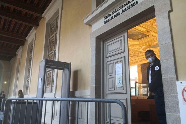 La cour d'assises d'Ille-et-Vilaine juge six hommes mis en cause dans la mort de Dorian Guémené à Rennes