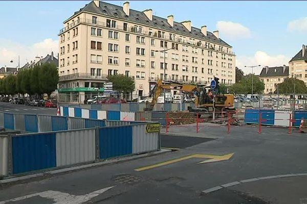L'avenue du 6 juin en plein travaux pour accueillir le futur tramway caennais