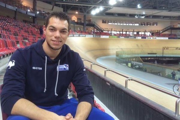 Kévin Sireau au Vélodrome national de Saint-Quentin-en-Yvelines (Yvelines).