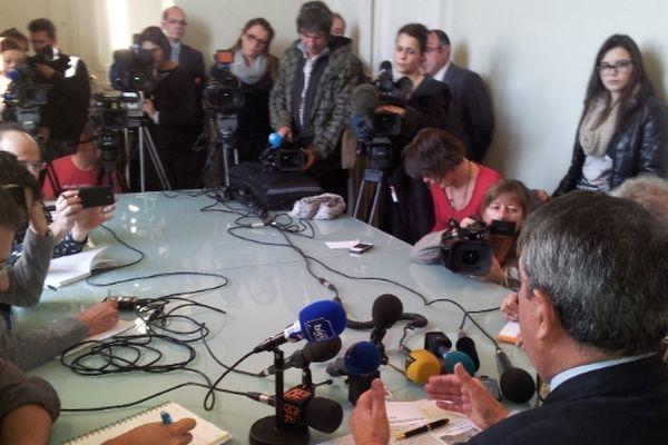 Montpellier : conférence de presse du procureur général Bernard Legras avec les journalistes - 22 novembre 2012.