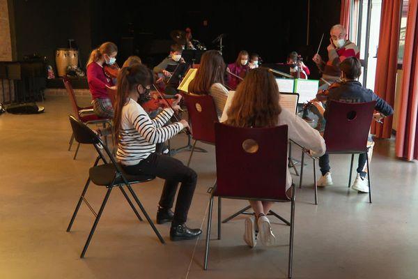 Quelques couacs mais beaucoup de plaisir pour ces retrouvailles musicales au conservatoire de Narbonne.