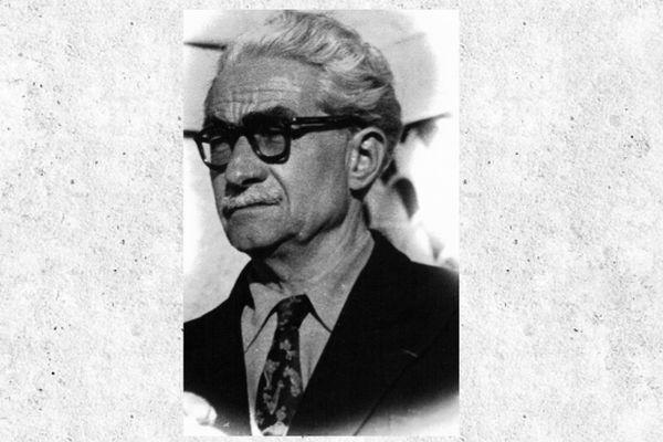 Albert Terrusse, le grand-père d'Elisabeth Basset-Terrusse. Albert Terrusse a dirigé l'hydrobase d'Antibes durant 12 ans. Il a été le dernier commandant de la station d'hydravions d'Antibes jusqu'en 1946, date de sa fermeture .