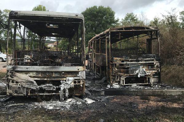 Bus incendiés à Lugny (71)
