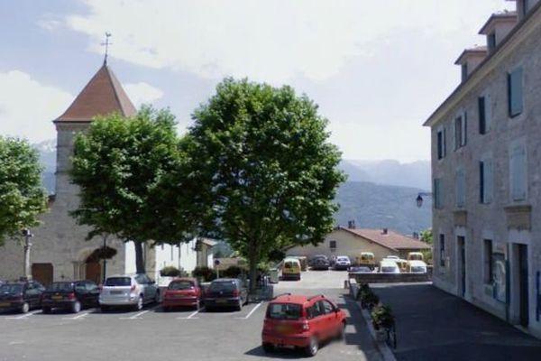 Pourquoi le nombre de personnes atteintes de la maladie de Charcot est-il anormalement élevé à Saint-Ismier ?