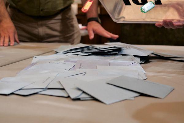 Dépouillement des bulletins de vote - Illustration