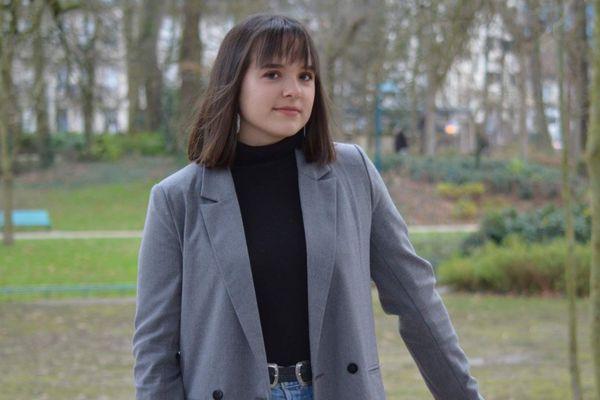 """Sorenza Lafargue, bachelière 2020 n'a obtenu aucun de ses 10 voeux favoris sur Parcoursup alors même qu'elle s'apprête à avoir mention """"Très Bien"""" au baccalauréat."""