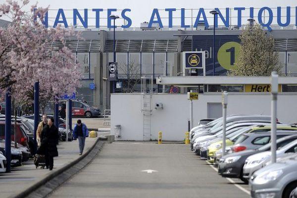 Des contrôles renforcés à l'aéroport de Nantes-Atlantique après les attentats de Bruxelles