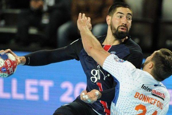 Le parisien Nikola Karabatic battu par ses anciens équipiers Montpellierains, dimanche lors la finale de la coupe de la ligue de Handball, à l'aréna. Le Montpellier Handball s'offre sa 10ème couronne dans la compétition.