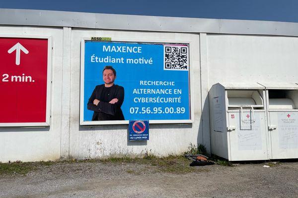 Une pancarte de Maxence Bricout.