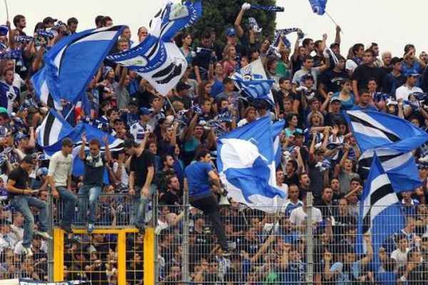 Supporters de Bastia, tribune Est du stade Armand Cesari (Illustration)