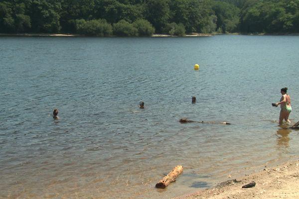 La baignade est autorisée, mais pas sur tout le bassin du Lampy.