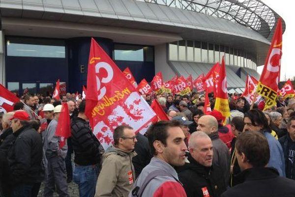 Manifestations devant Ester à Limoges l à l'occasion de la venue de Pierre Gattaz, président du Medef