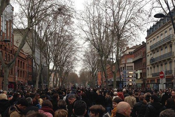 Les manifestants en queue de cortège ont mis une heure à démarrer.