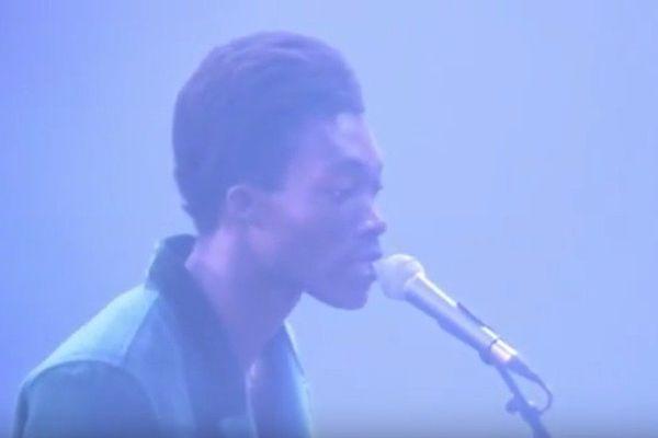 Benjamin Clementine sur la scène de Rock en Seine