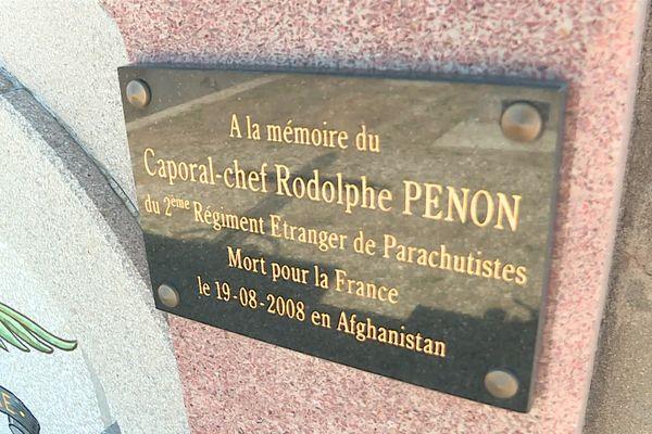 Le français Rodolphe Penon est mort sous les tirs des talibans lors de l'embuscade d'Uzbeen, à l'Est de Kaboul le 18 août 2008 avec 9 autres soldats.