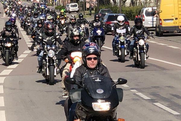 A Alençon, les motards ont manifesté le 30 mars contre la limitation de vitesse à 80 km/h et contre l'obligation des contrôles techniques.