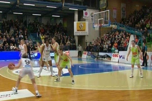 Les filles du Bourges Basket face au tchèques de Brno