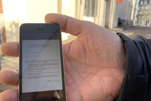 Attestation de déplacement dérogatoire sur son smartphone