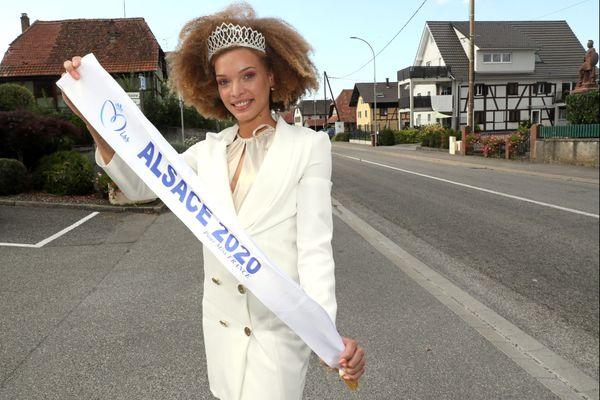 Aurélie Roux, dans son village natal, au lendemain de son élection comme miss Alsace