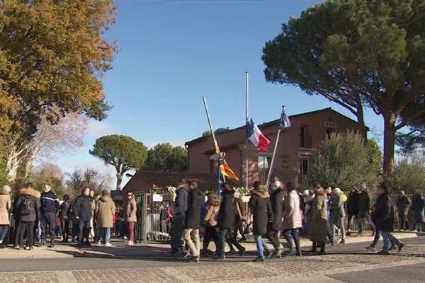 Cérémonie d'hommage à Saint-Feliu d'Avall en l'honneur des victimes de l'accident de bus à Millas - 17 décembre 2017