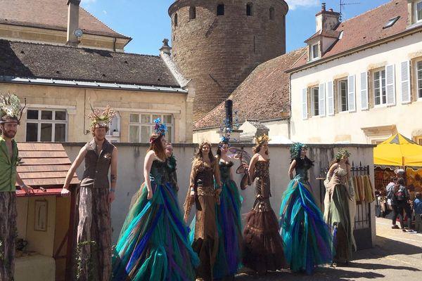 Les Médiévales animent la Cité de Semur-en-Auxois le temps d'un week-end, cette année pour la 20ème édition.